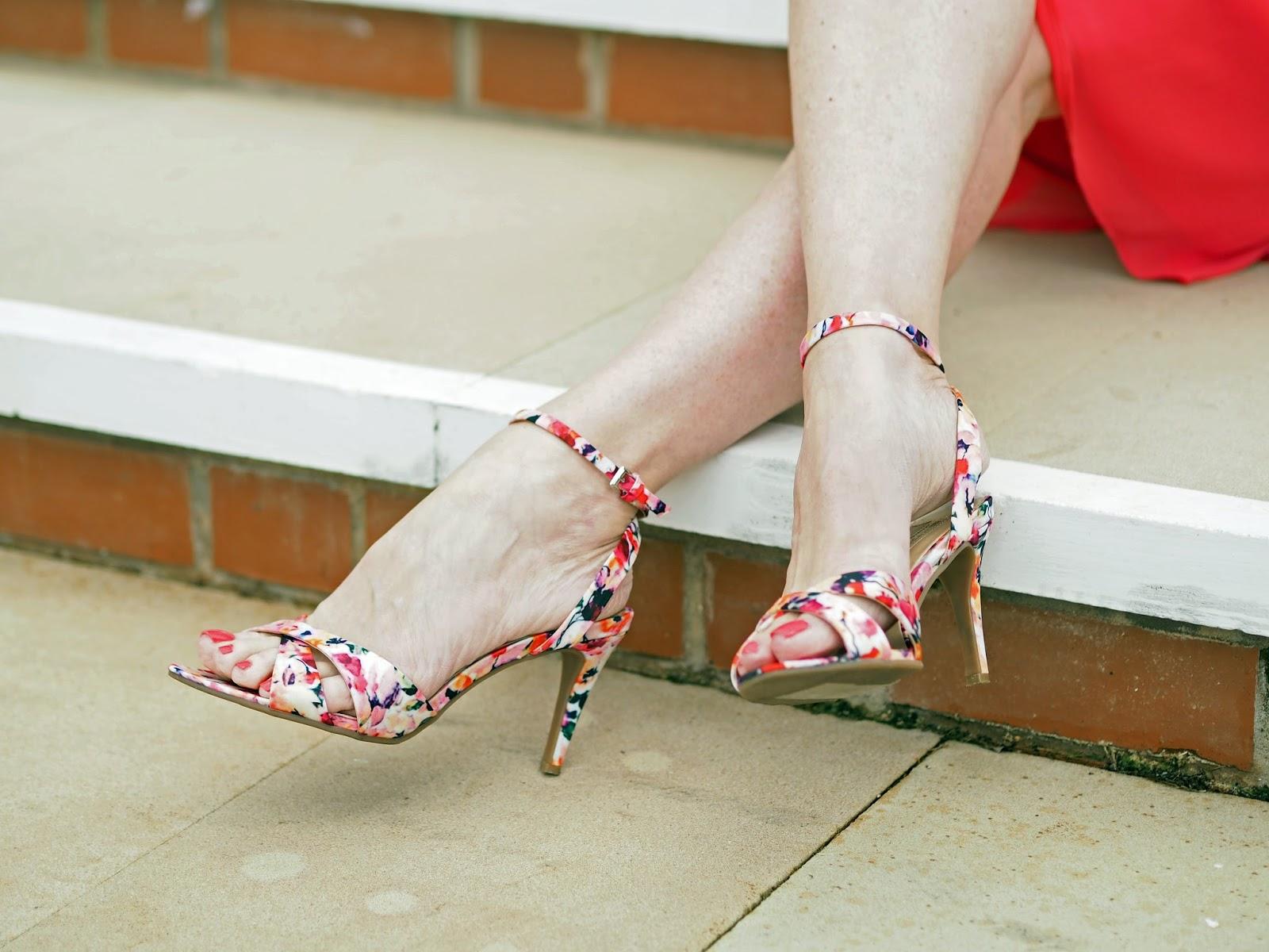 Races-outfit-floral-sandals