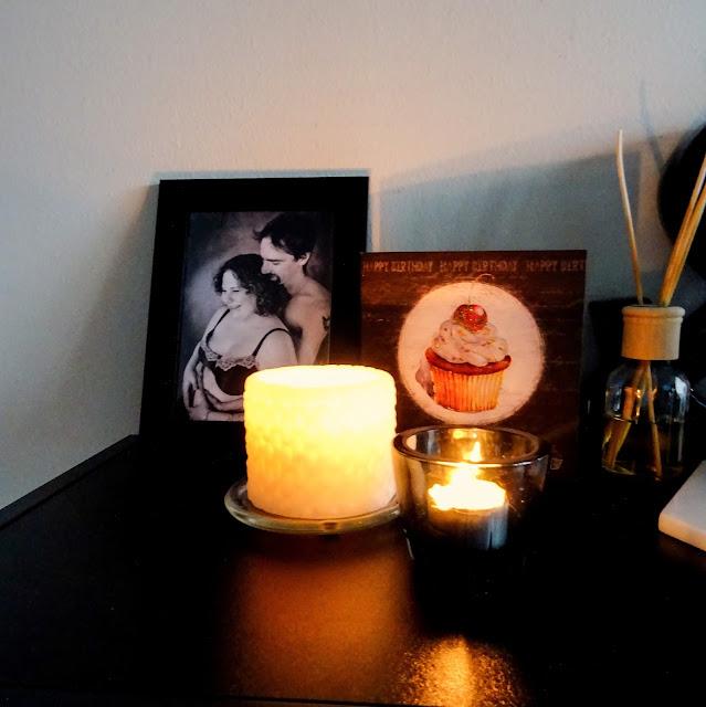 kynttilöitä, sade, tunnelma