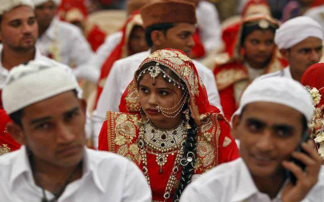 India Keluarkan Fatwa Wanita Muslim Ikat Gelang Suci