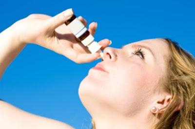 Cara Menggunakan Tetes Hidung dengan Benar