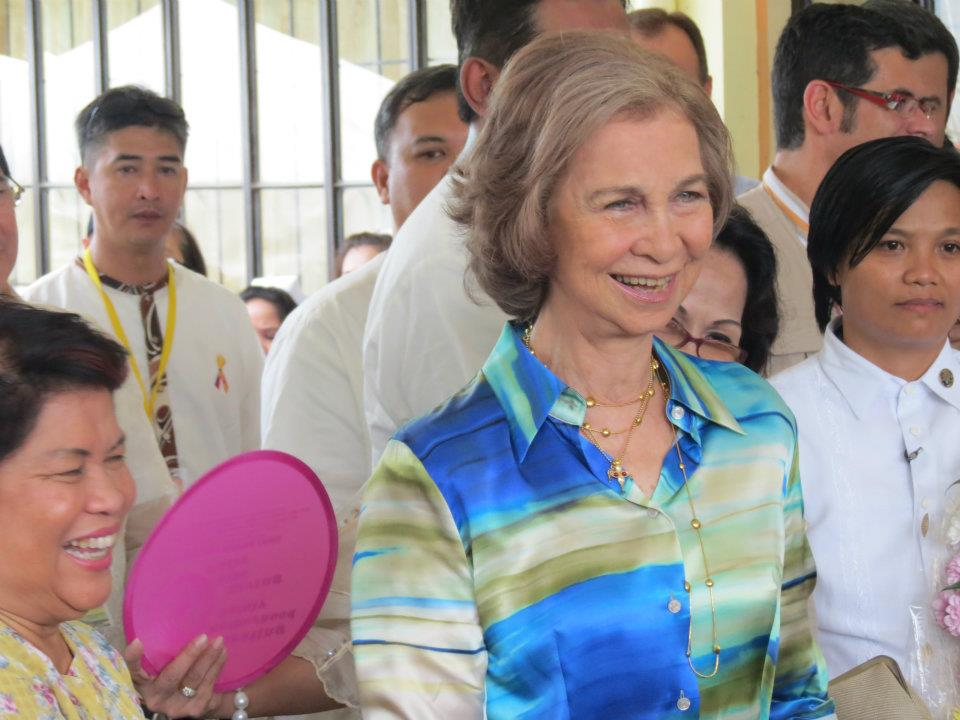 Queen+Sofia+of+Spain+visits+Albay+(6).jpg