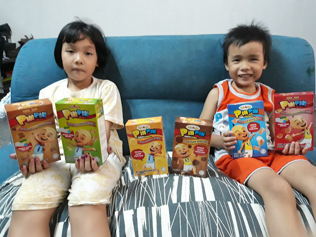 Upin dan Ipin, biskut upin dan ipin, pin pin happy moo, produk lescopaque, makanan upin dan ipin, snacks untuk kanak-kanak, makanan dengan mainan, happy box for kids,