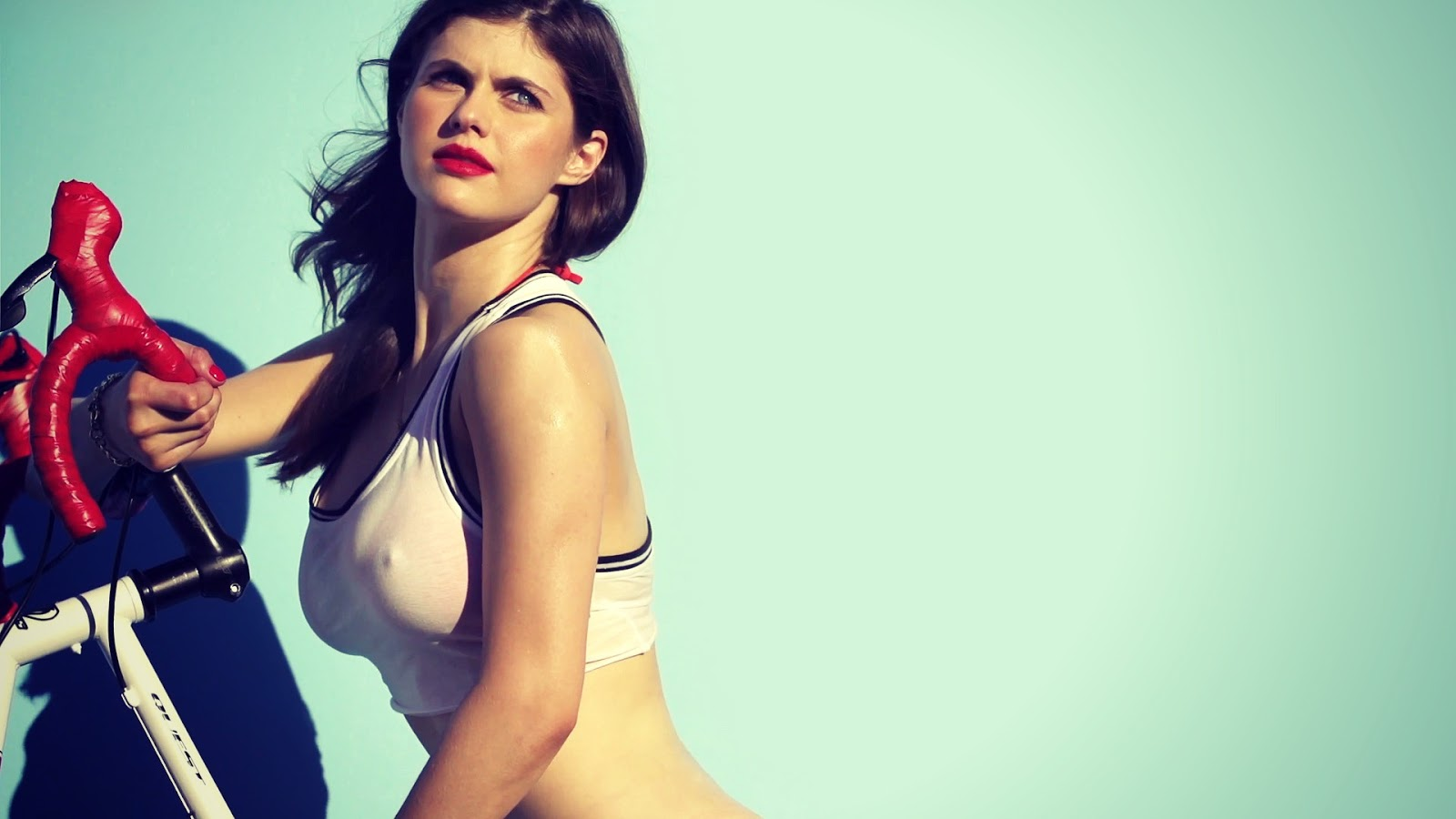 alexandra daddario whatsapp number and photos | bollywood news