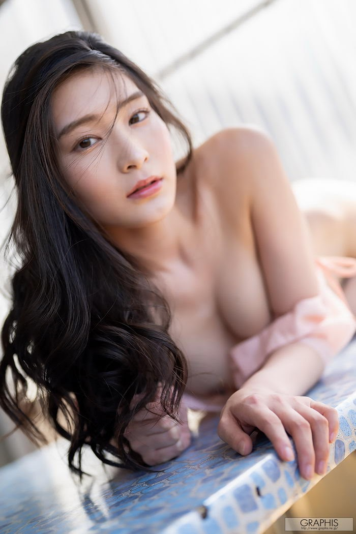 [Graphis] 2020-03-18 WINTER SPECIAL 2020 – Suzu Honjo 本庄鈴 『 Corpo 』 SET 07 [21.7 Mb]