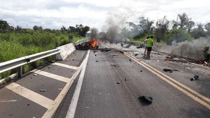 URGENTE: Acidente com carros de luxo deixa vítimas fatais entre Altos e Campo Maior