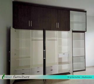 lemari pakaian minimalis kamar anak tampak dalam
