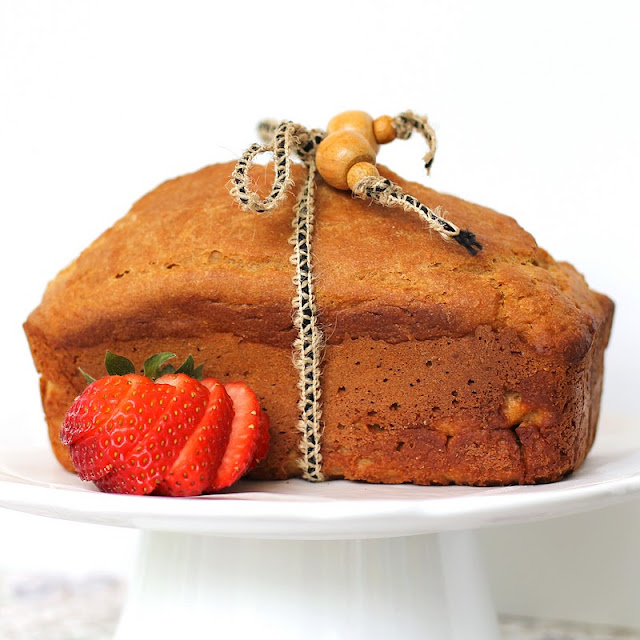 This Healthy Citrus Pound Cake is sweet, buttery, moist, and full of lemon and orange flavor. You'd never know it's made without the butter, refined sugar, and white flour. This cake is sugar free, high protein, and whole grain! Healthy Dessert Recipes with low calorie, low fat, low carb, high protein, gluten free, dairy free, vegan, and raw options at the Desserts With Benefits Blog (www.DessertsWithBenefits.com)