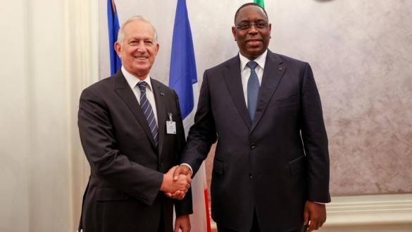 Le président Sénégalais déclare au patronat Français que l'Afrique n'est plus leur terrain de jeu