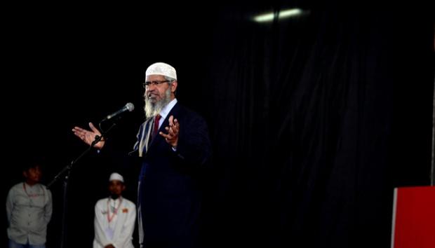 Aneh! Setiap Wanita yang Bertanya ke Dr Zakir Naik di Makassar Jadi Mualaf