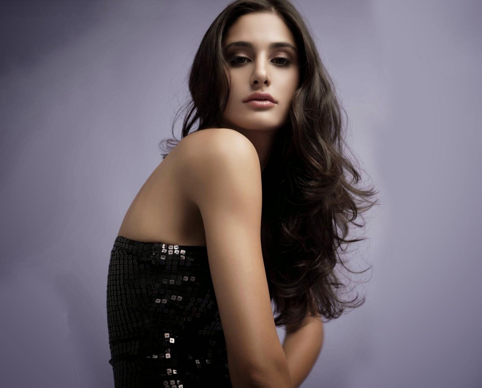 Celebrities Hd Wallpaper Download Nargis Fakhri Hd: Nargis Fakhri Hot & Beautiful Images 2013-14