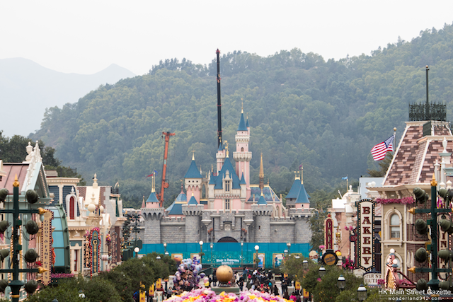 [Hong Kong Disneyland] Castle of Magical Dreams (21 novembre 2020) - Page 11 HKMSG_Hong_Kong_Disneyland_Fantasyland_Castle_Transformation_Construction_180202_1