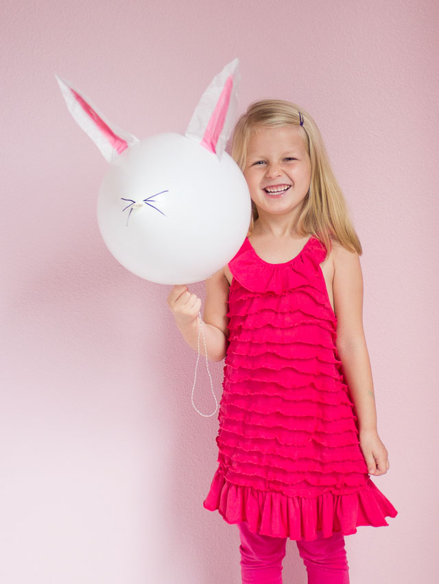 Easy DIY Easter bunny balloons