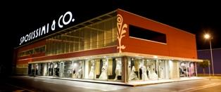 La crescente soddisfazione dei clienti ha creato le condizioni perfette per  far crescere il marchio SPOSISSIMI   CO attraverso l apertura di 8 punti  vendita ... 95d978b9622