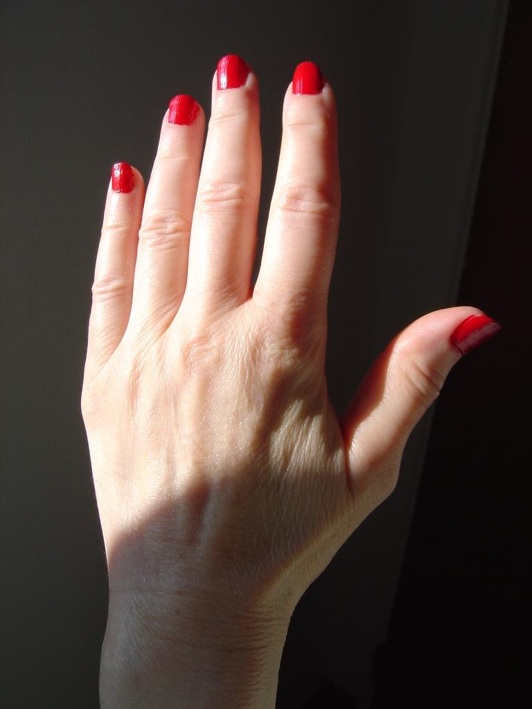 Insta-Dri #280 Rapid Red polish.jpeg