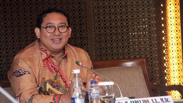 Fadli Zon Buat Sajak 'Mau Saya Tabok'