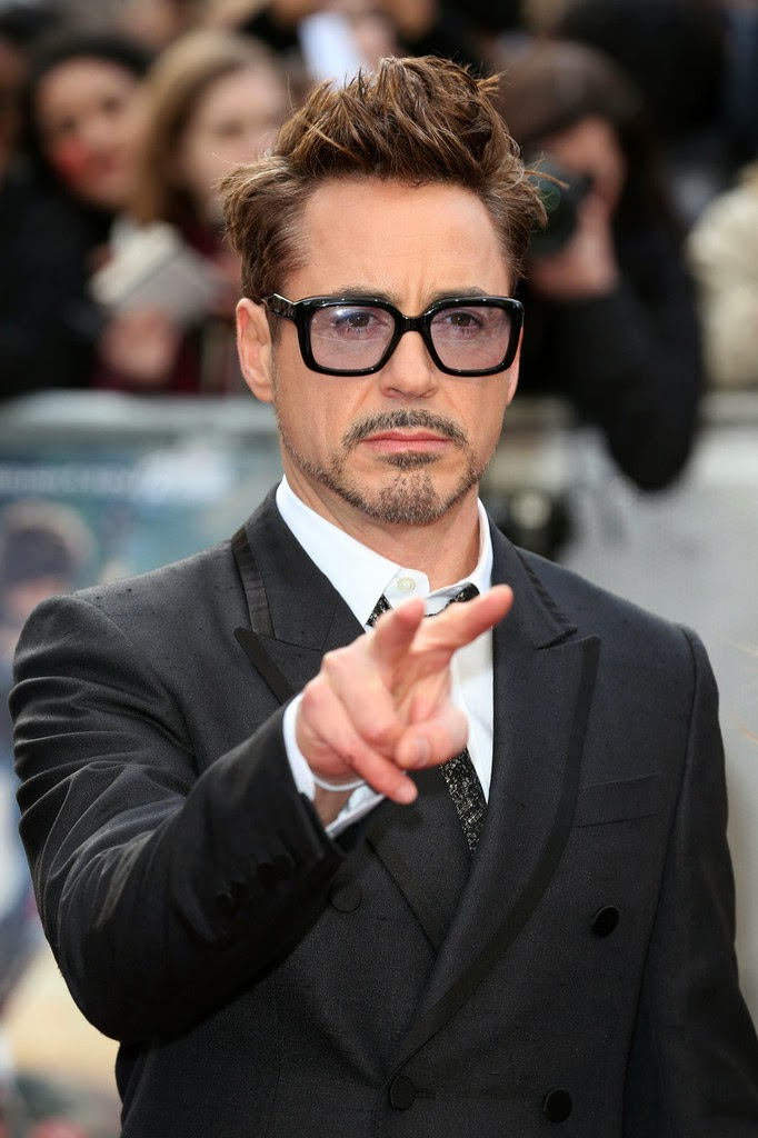 celebrities Robert Downey Jr suit photos