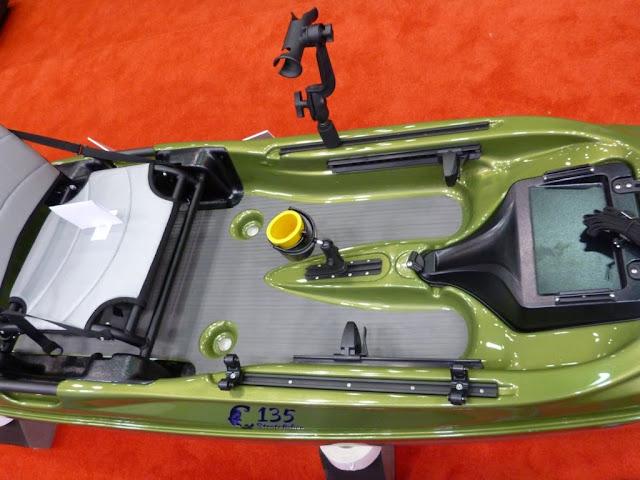 eddyline-C135-Yakattack-Stratofisher-Kayak-floor