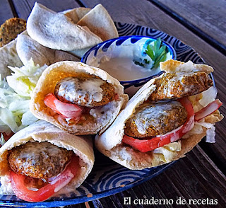 Falafel, Salsa Taratur & Pitas