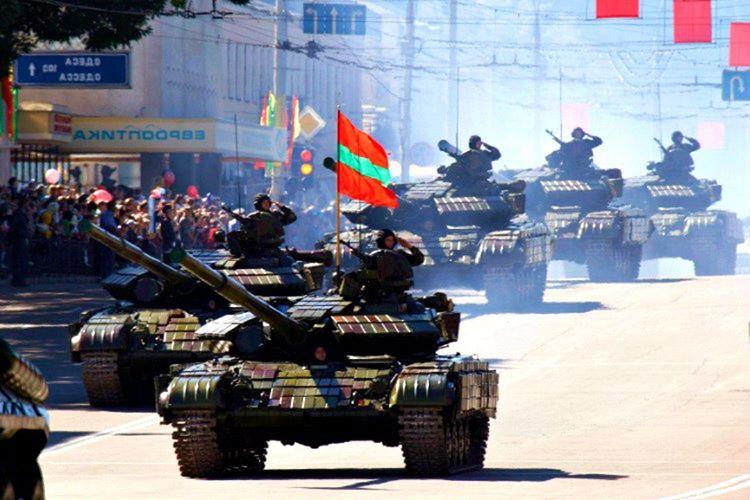 Transdinyester Cumhuriyeti adı altında kendi hükümetlerine, ordularına, polislerine, para birimlerine ve araç kayıtlarına sahipler.