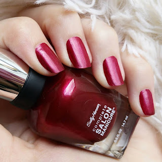 http://glam-masquerade.blogspot.de/2016/07/notd-red-nails-dont-care.html