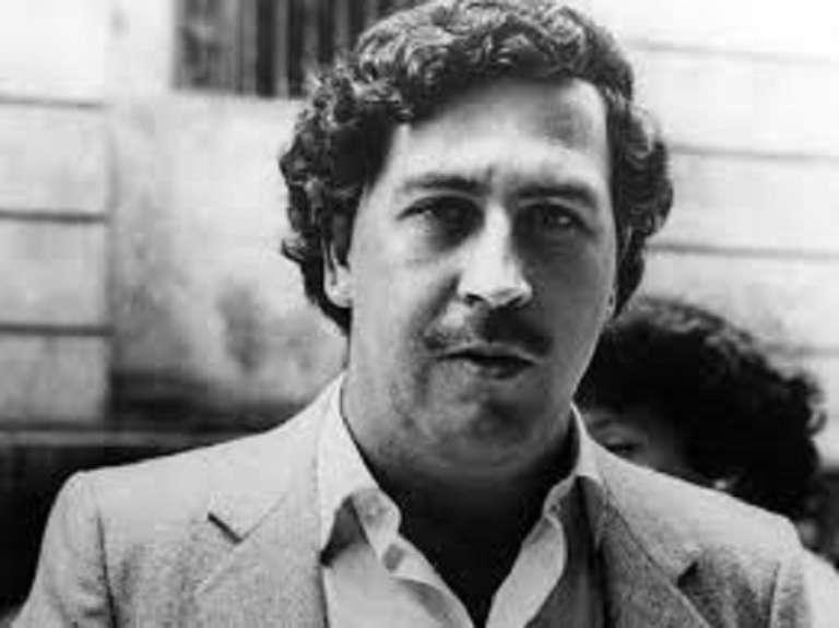 Ordena juez argentino que viuda e hijo de Pablo Escobar declaren por 'lavado'