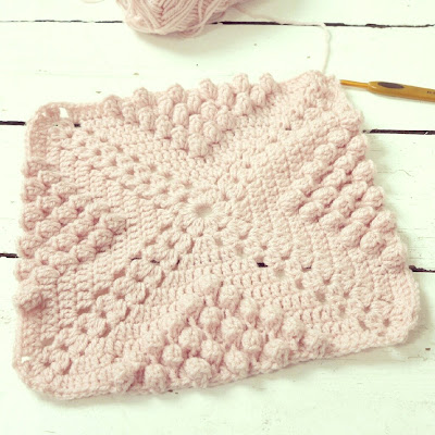ByHaafner, crochet, throw, work in progress, pink, pastel, bobble stitch