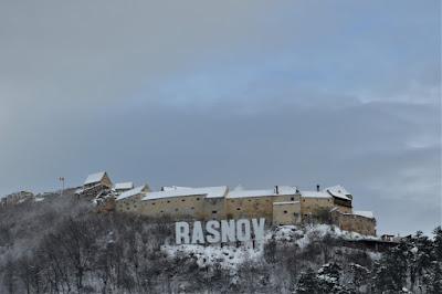https://jurnalul-unei-calatoare.blogspot.com/2018/01/cetatea-rasnov-brasov.html