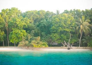 http://www.teluklove.com/2017/04/destinasti-objek-wisata-pulau-melintang.html