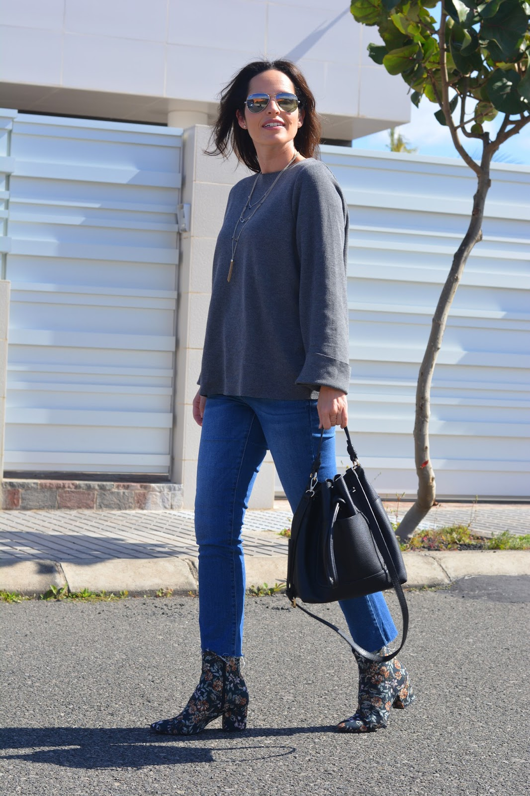outfit-jersey-gris-zara-street-style