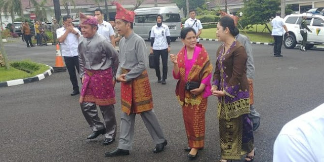 Jokowi Dianugerahi Gelar Raja dari Pemangku Adat Komering Sumsel