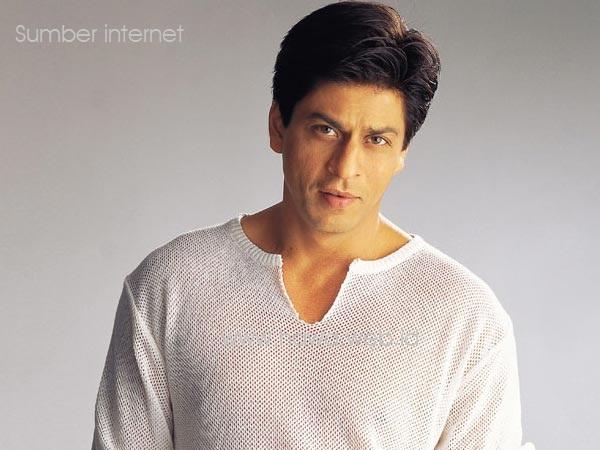 Shahrukh Khan Ditahan, Diduga Teroris