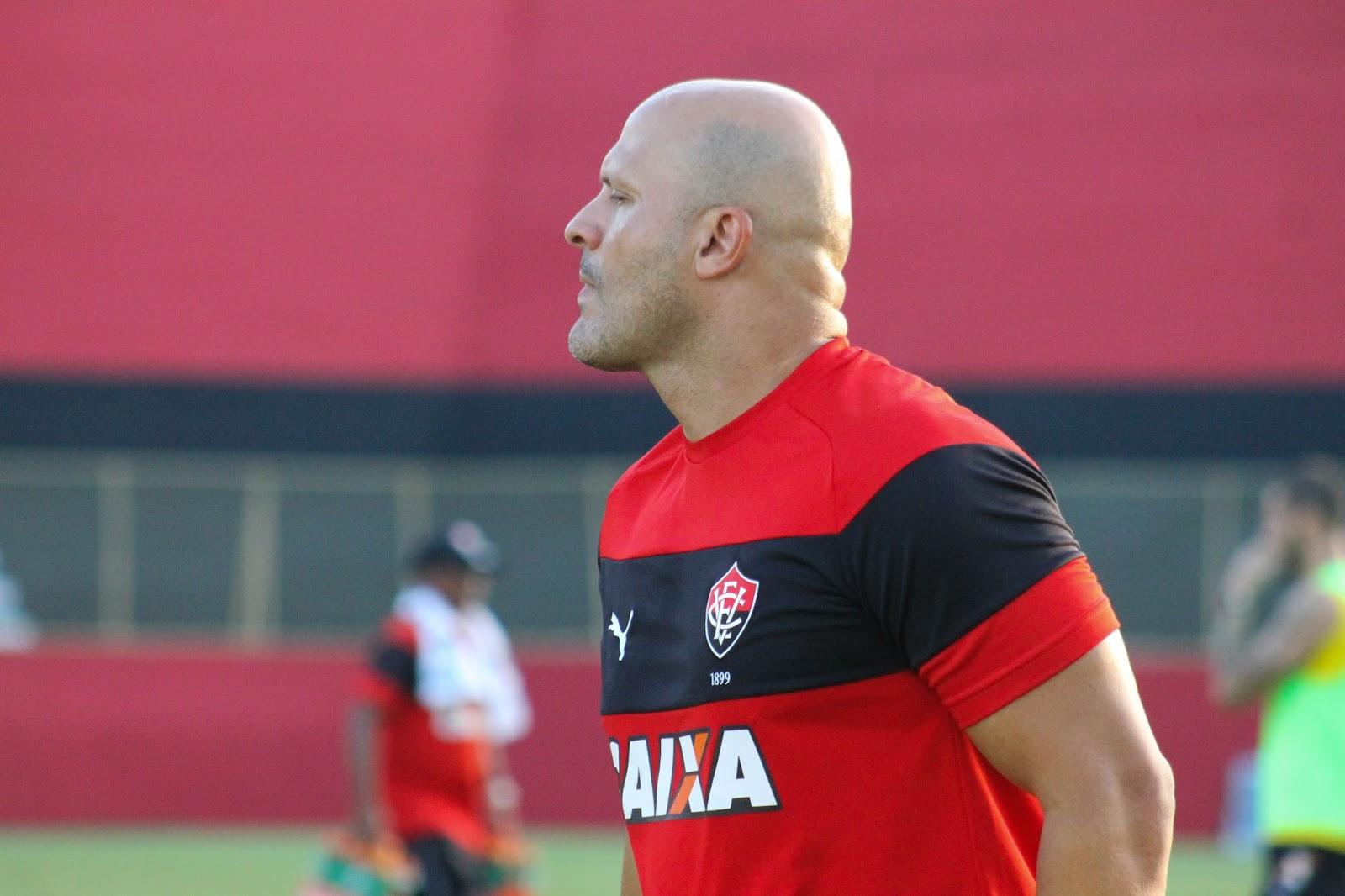 Com Flávio Tanajura no comando, Vitória relaciona 21 jogadores para jogo contra a Chapecoense 1