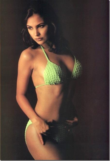 Bollywood Hot Actress In Bikini Bollywood Actress in Bikini Pics 51
