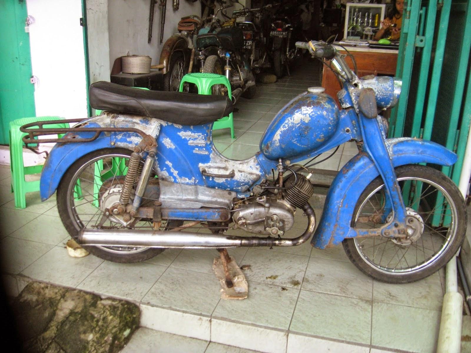 Dijual Motor Sepeda Antik ZUNDAPP 61 - PURWODADI - LAPAK