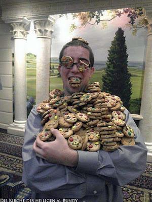 Mann mit vielen Plätzchen lustige Bilder