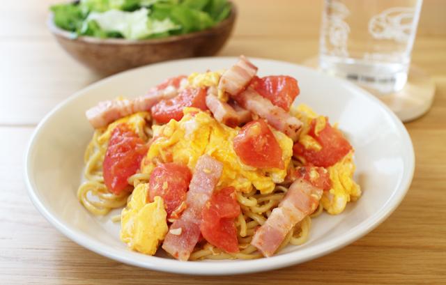 西紅柿炒鶏蛋(シーホンシー・チャオ・ジーダン)焼きそば