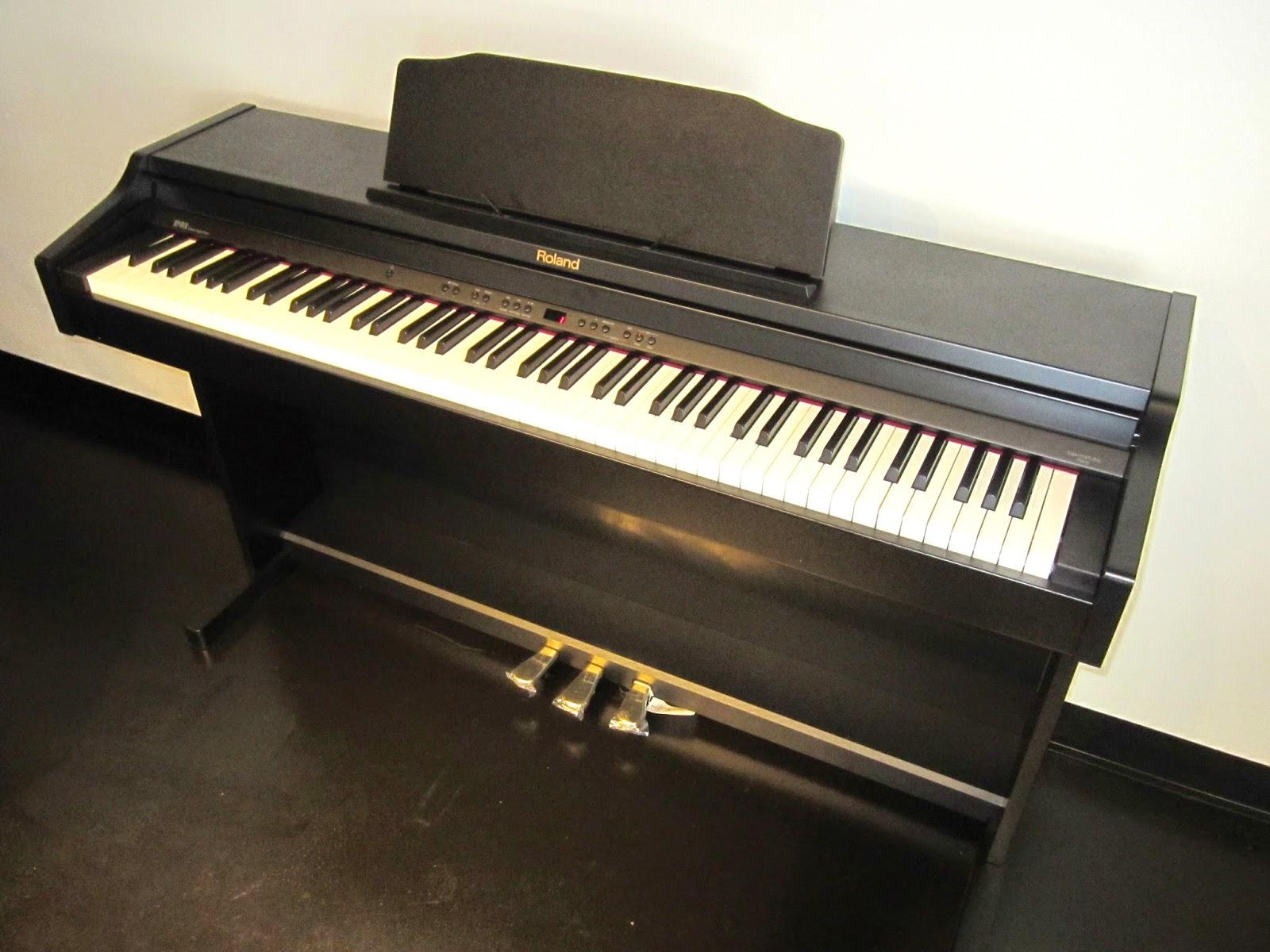Roland RP401R digital piano