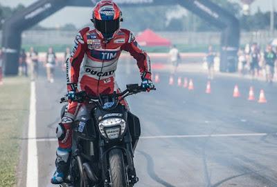 Stoner Pastikan Lorenzo Ketagihan Pakai Motor Ducati