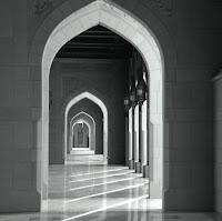 Ben kıraat talebesiyim kurrâlık yapıyorum hayız olduğum zamanlarda Kur'an-ı Kerîm'i yazabilir miyim ?