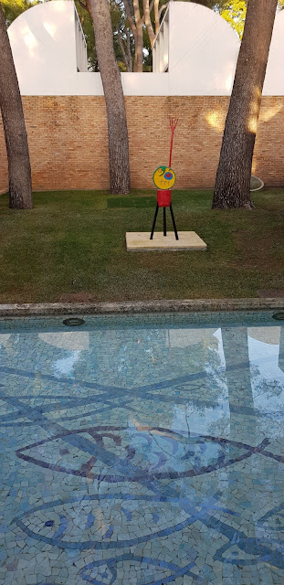 Braque's pool and Miró's sculpture