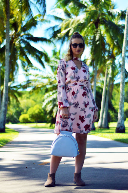 Australian blogger spring summer transitional style blush floral dress ray ban sunglasses grey oliver bilou handbag taupe ankle boots