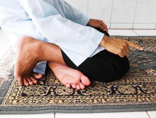 Doa setelah Tasyahud Akhir sebelum Salam Lengkap Arab Latin dan Artinya