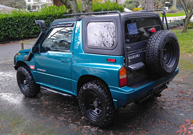 Suzuki Sidekick rear 3/4