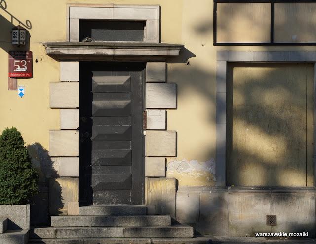 Warszawa Warsaw kamienica Śródmieście architektura drzwi