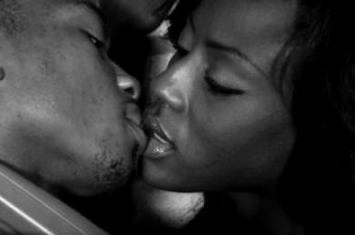 Black gal making love | Adult images)