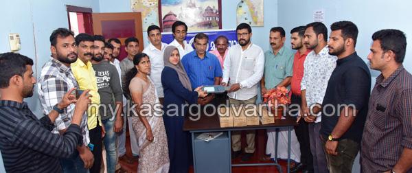 News, Kerala, Bovikanam, Bahrain, KMCC, Bahrain KMCC street light handed over