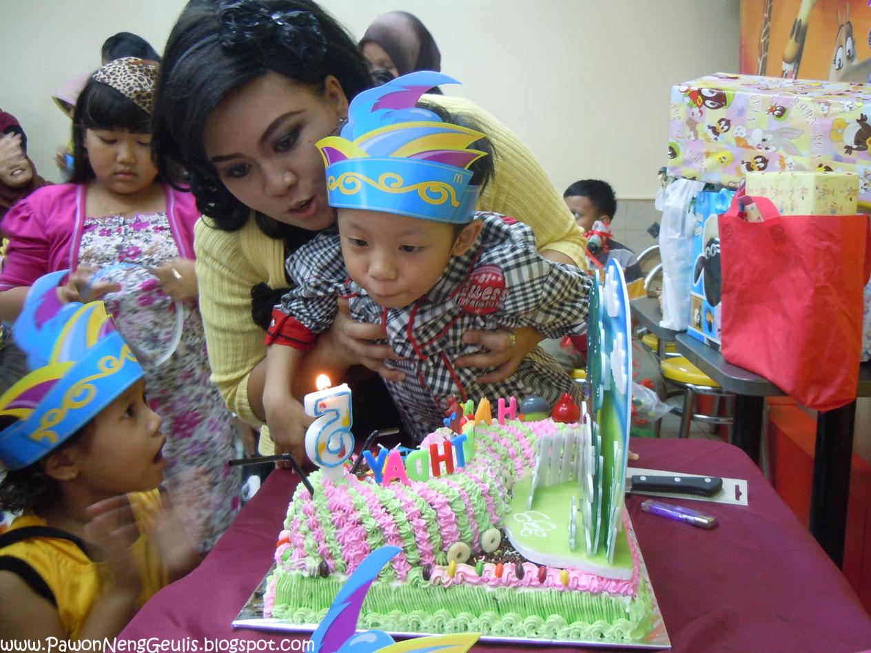 Kue Ulang Tahun Anak Unik Bentuk Ulet