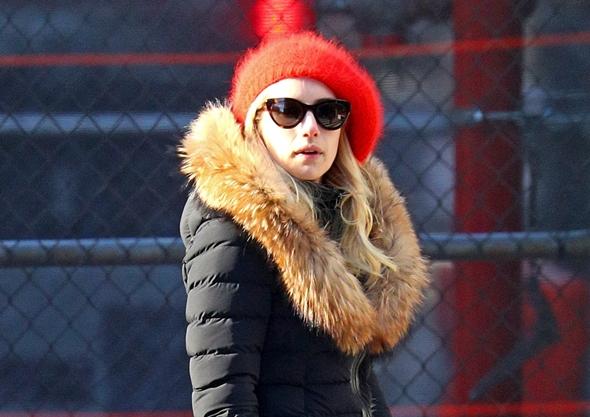 2016-12-09 エマ・ロバーツ(Emma Roberts)ニューヨークにて、ショッピング。