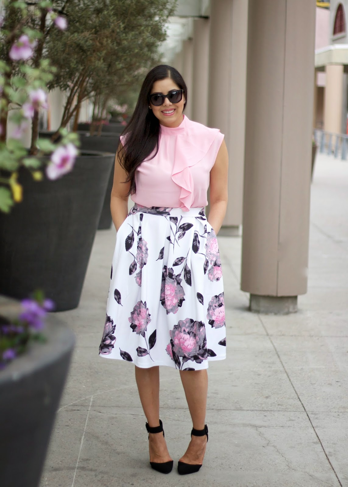 Midi skirt outfit, how to wear a midi skirt, valentine's day outfit midi skirt