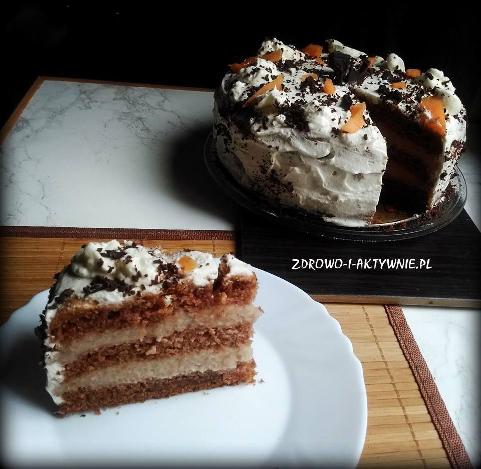Tort kakaowy z budyniem i kremem